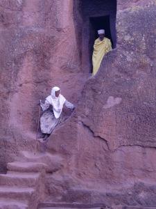 Asistentes a la eucaristía en Lalibela