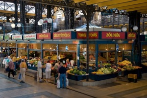 Inside_the_Great_Market_Hall_in_Budapest