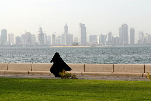 Mujer en Corniche Doha
