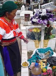 Comida en cementerio Ecuador3